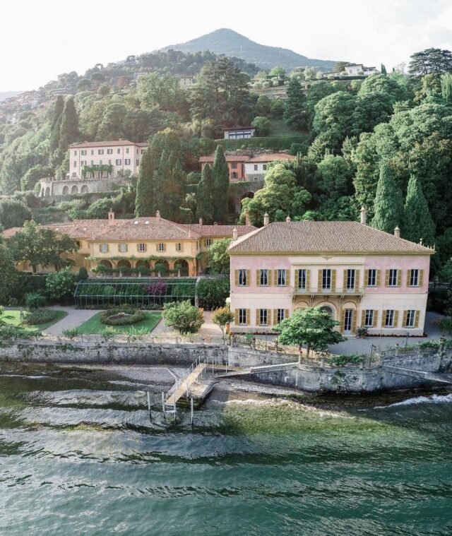 Showing you all of our unforgettable and favorite locations this week. Incredible photograph by @lumos_produzioni of @villapizzo 🤍 #villapizzo #lakecomoitaly #lakecomo #lumosproduzioni #lakecomoweddingplanner #lakecomoweddings