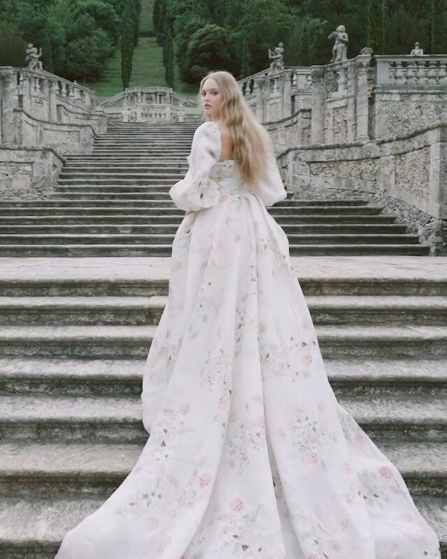 Loved working on the @moniquelhuillier @moniquelhuillierbride Spring 2022 Bridal Collection at @villadellaportabozzolo with the most talented team. @ktmerry  @victorhenao @carrielauren @peytonfrank @brianbuenaventura_ #moniquelhuillier #moniquelhuillierbride #lakecomoweddingplanner #lakecomoweddings