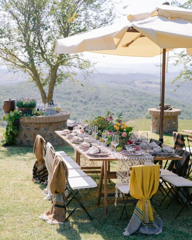 Day two at @rosewoodcastigliondelbosco we set up a picnic for lunch in the vineyards with the incredible view over the fields and rolling Tuscan hills. Decor inspired by grapes and the nature around, blankets from a local producer in nearby Montalcino.  Photo @josevilla  Florist @tuscanyflowers  Video @storyboxcinema  Printed goods @letterink  Rentals @preludiodivisionenoleggio  #castigliondelbosco #tuscany #tuscanwedding #tuscanywedding #eventdesign #eventdesigner #picnic #weddingplanner #weddingplanneritaly #italy #tuscany #tuscanyitaly